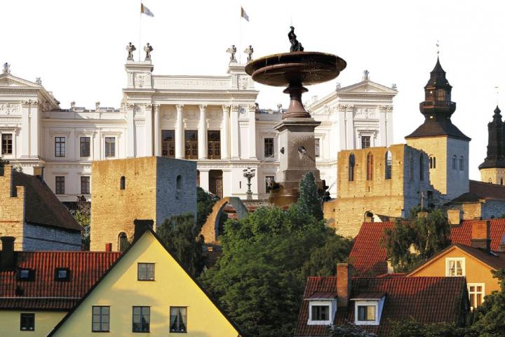 Fotomontage Almedalen och Lunds universitetsbyggnad.