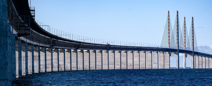 Photo of the Öresund Bridge.