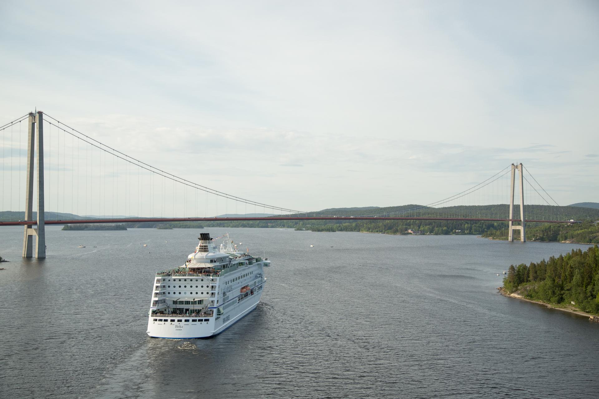 166 Birka Cruises vid H%c3%b6gakustenbron